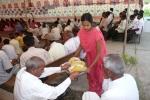 Verpflegung beim Farmers' Meeting (Feb. 2010).jpg